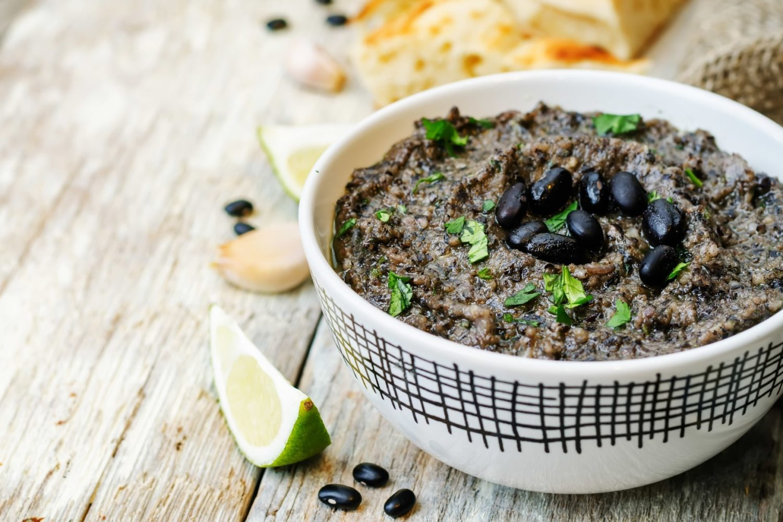 Healthy and Delicious Black Bean Hummus