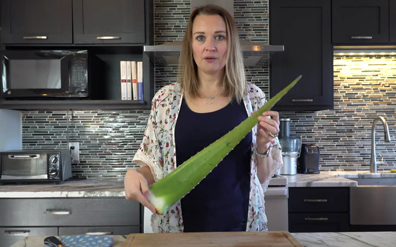 Making Aloe Water