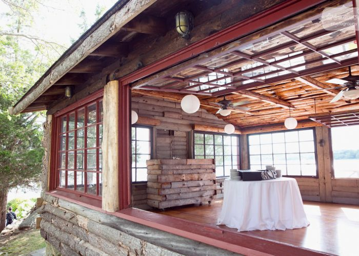 mount-hope-cove-cabin-wedding-12(pp_w768_h506)